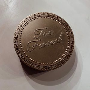 Too Faced. 16 hour Bronzer ☀️